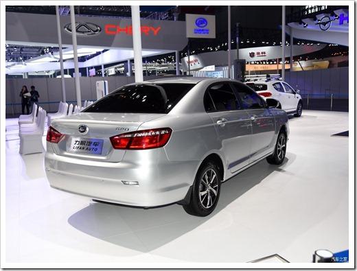 Зачем тратить деньги на китайский автомобиль, когда можно взять подержанный японский?